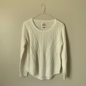 White So Sweater/ Pullover